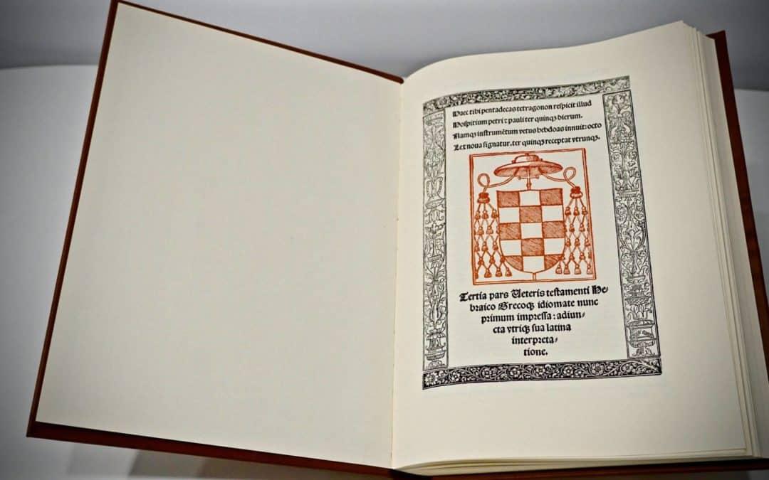 En el I aniversario de la adopción de la Bíblia Políglota el colegio expone su facsímil